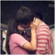 Поцелуй молодых людей