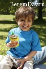Hipp_2011_DUE_child_eating_23_Sohn_Vater_73_1_